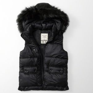 NWT Abercrombie & Fitch Black Hooded Puffer Vest
